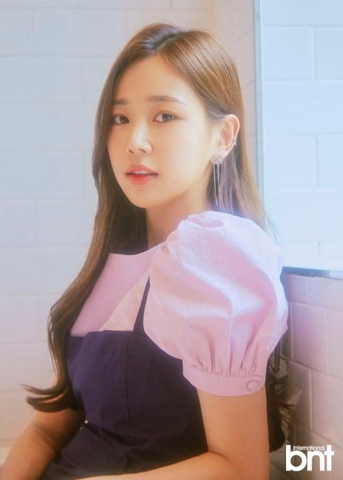 韓國女歌手姜伊瑟最新雜志寫真曝光