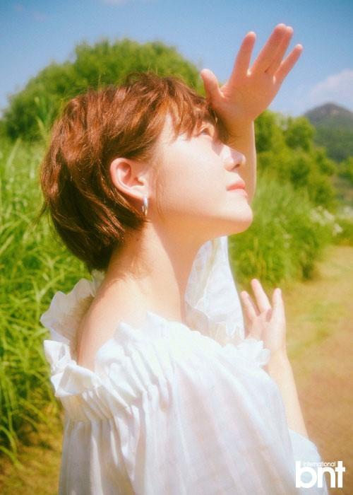 韓國女藝人蘇周妍拍雜志寫真