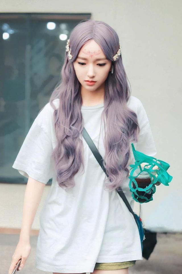 程潇的紫色头发又上热搜啦?Tony老师麻烦染一下