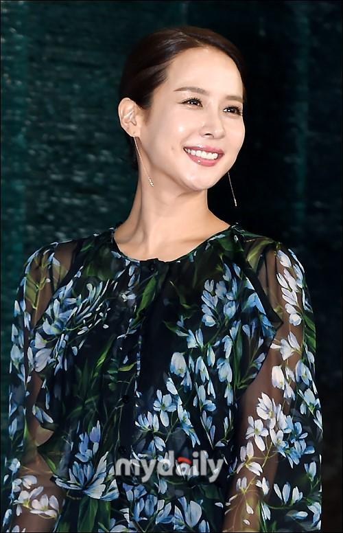 李圣經CLARA等韓國藝人出席春史電影節開幕式