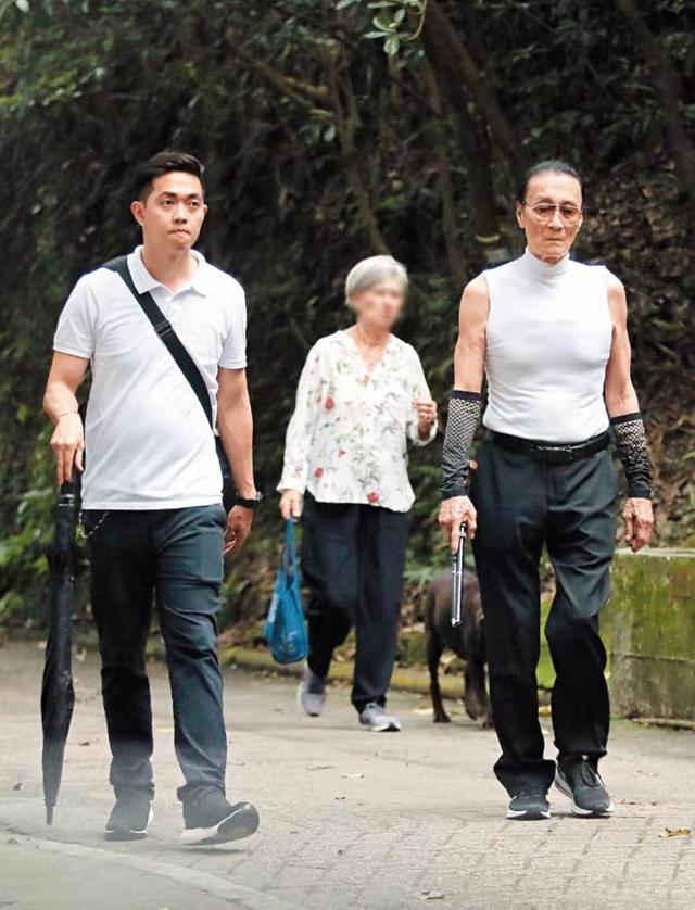 谢贤自与小49岁女友分手后无女伴近身 82岁高龄身体仍保持年轻