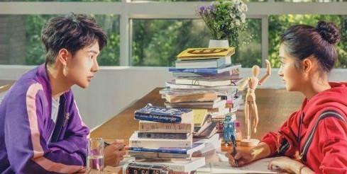 关晓彤和王一博居然还有这么甜的照片