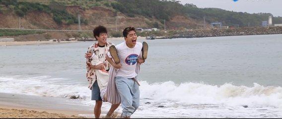 彭彭和《小小的愿望》片方解约,网友看到最后一条时又心疼又恼怒