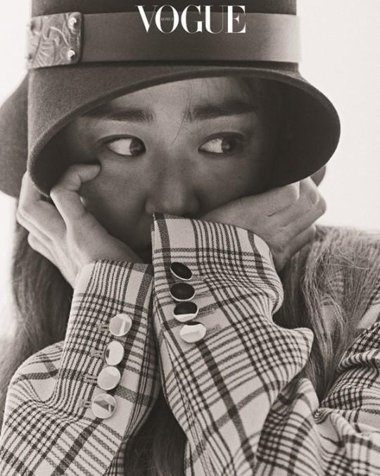 韩国女艺人文根英最新杂志写真曝光