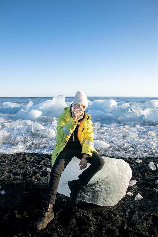 发起人黄子韬素颜录制综艺《小小的追球》,探险北极实现旅行清单