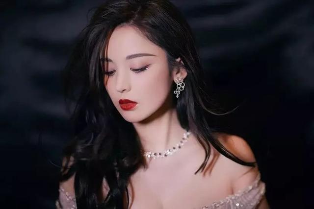 古力娜扎美貌吊打韩娱圈,看看韩国网友如何评价?