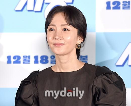 丁海寅等韓國藝人出席新片《始動》試映