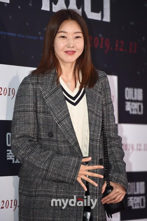 Rain等韩国艺人出席电影《我杀了妻子》VIP试映