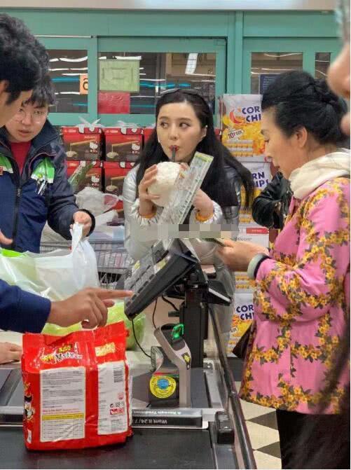 范冰冰在国外逛超市,路拍照素颜超惊艳,不愧是女神啊