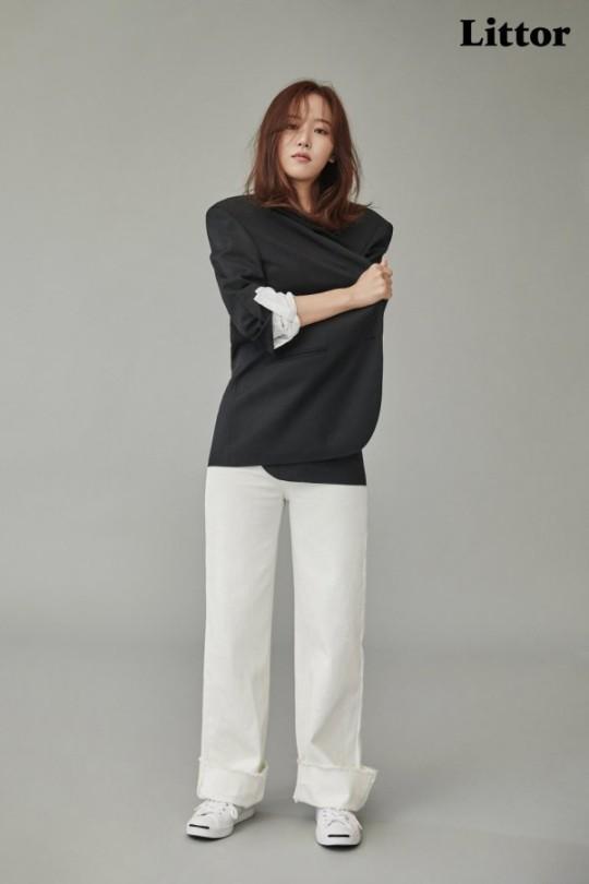 韩国女艺人姜汉娜最新杂志写真曝光