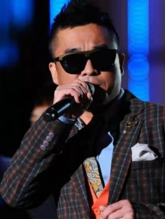 韓國歌手被曝丑聞!在公共場合毆打女性致人骨折,又陷性侵風波