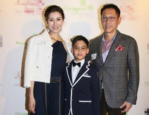 大美人李嘉欣8岁儿子正面照曝光 气质儒雅被赞有星二代潜质