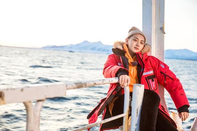 黄子韬号召保护极地冰川,《小小的追球》欢笑与感动并存