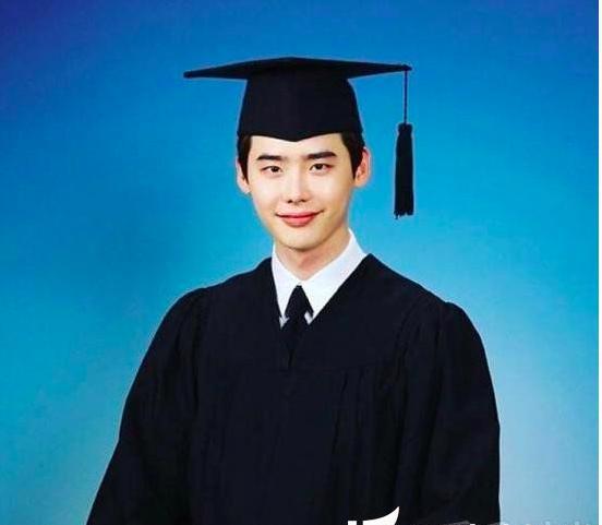 极速PK10明星大学旧照:具惠善脸圆圆的白白的,金泰熙美的发光了