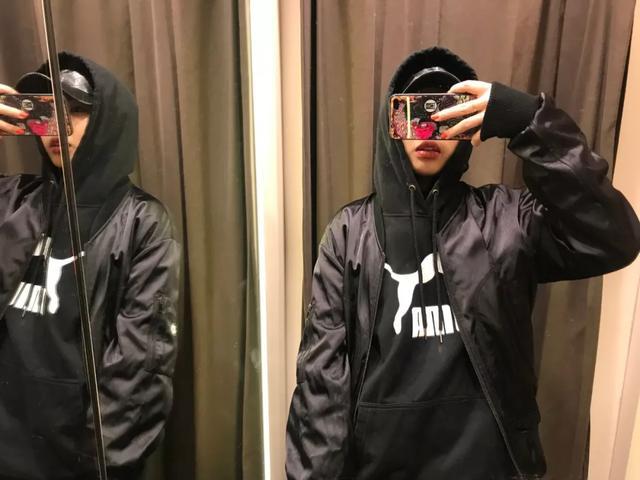 建議Sup明年在中國找模特,這些妞的衛衣秀頂炸了
