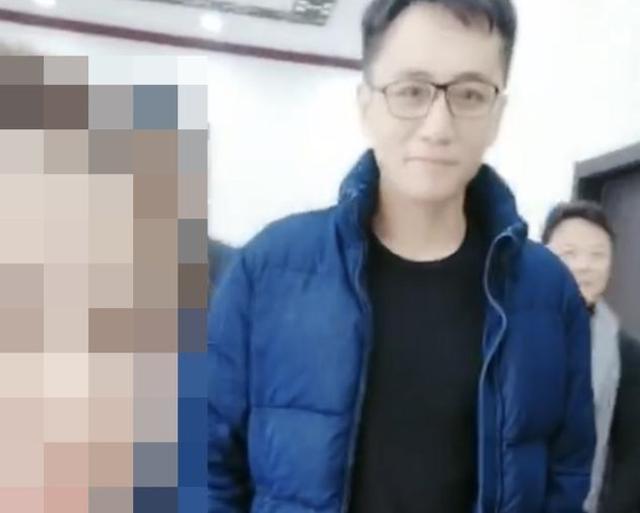 刘烨被美颜成网红脸,尖下巴大眼睛年轻20岁,连他自己都不敢认