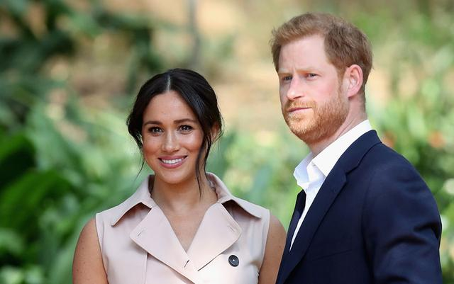 哈里梅根退出英国王室高级成员,现代版爱德华八世和辛普森夫人?