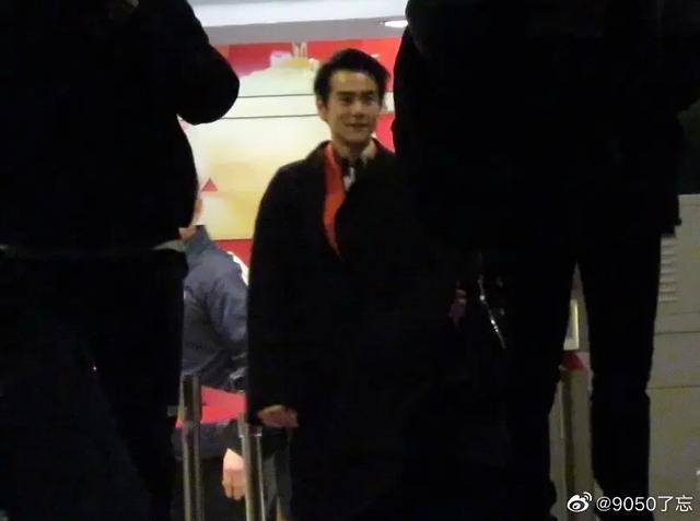 春晚联排下班生图,刘涛太有大佬气息,肖战腿好长走路一阵风一样