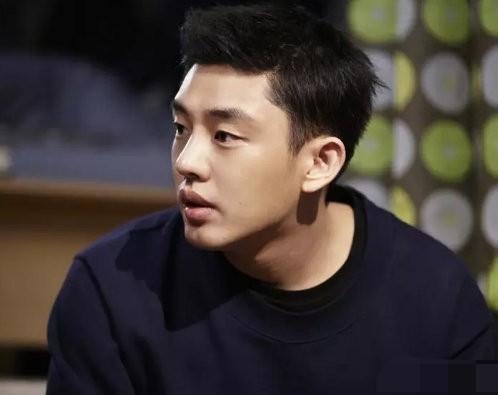 刘亚仁发文声援武汉,成首位为武汉发声的韩国明星:我们是一家人