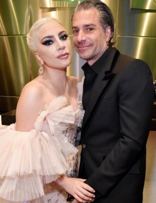 Lady Gaga与一神秘男子接吻,疑似新恋情曝光,曾三次取消婚约