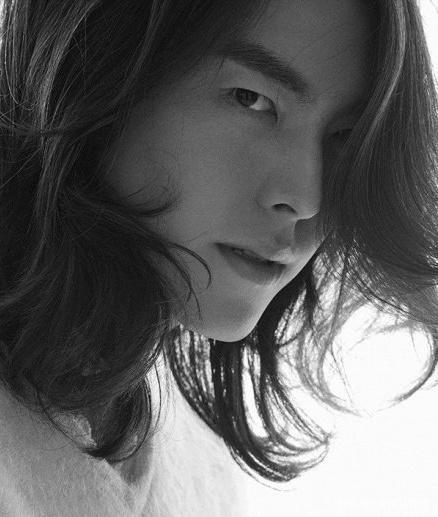 金宇彬签约AM娱乐,与女友申敏儿成为同事,抗癌两年后再拍新作