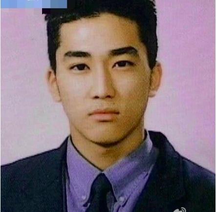 一些连证件照都很好看的韩星,玄彬上学时期就是偶像级别的人物了