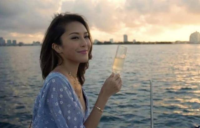 TVB小花入行几年由女主持升级女一 传有富豪支持出入保时捷接送