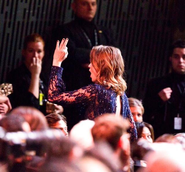 法國電影凱撒獎引離席抗議!《我控訴》導演獲獎,觀眾舉火把示威