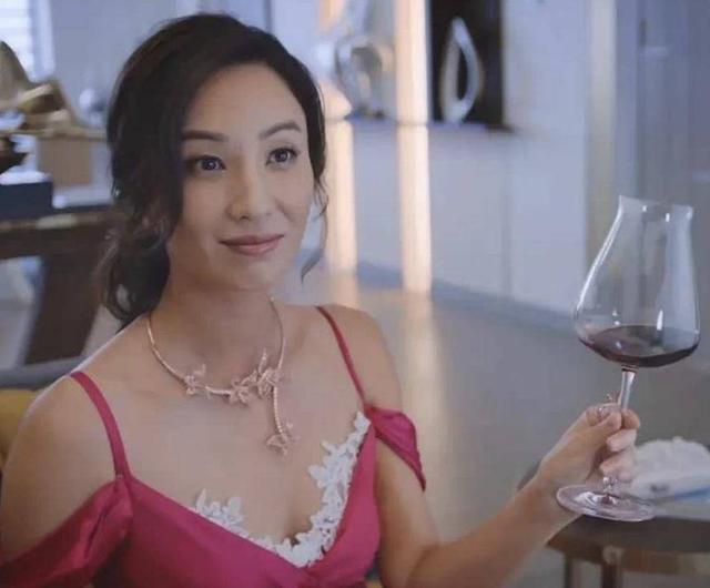 香港女演员入行多年恶表现才被征进了龙组运连连 曾与成龙传绯闻网友替她感不值窃笑得