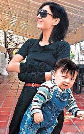 香港女演员入行多年恶运连连 曾我是韩玉临与成龙传绯闻网友替她感不值得