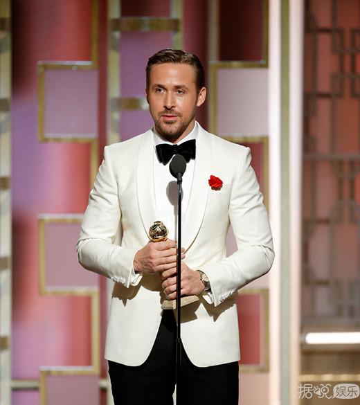 抖森凭《夜班经理》获金球奖最佳男主角 霉霉已哭晕在厕所里