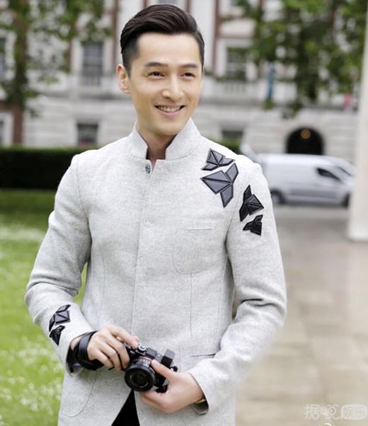 胡歌否认将赴美修读导演 证实收到春晚邀约但未彩排