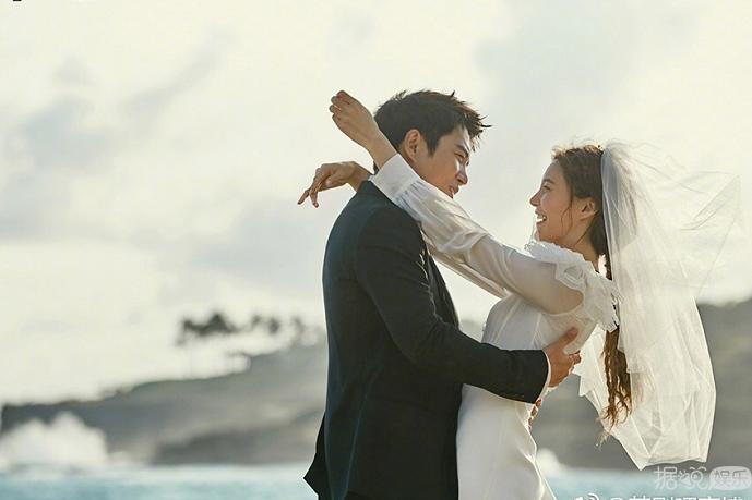 朱相昱、车艺莲夏威夷拍摄的浪漫婚礼画报公开!两人尽显甜蜜幸福