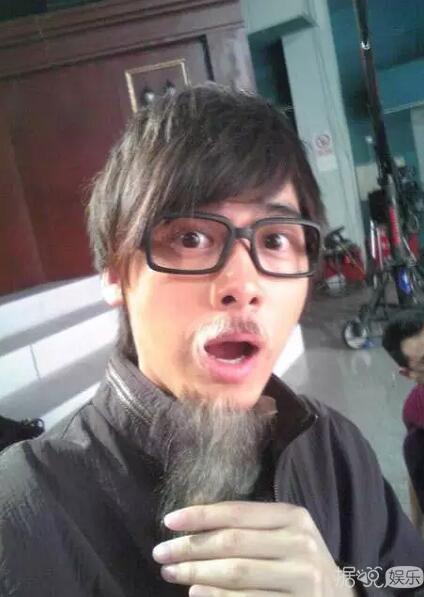鹿晗吴亦凡,小鲜肉们的第一张自拍和近照对比谁的变化最大?