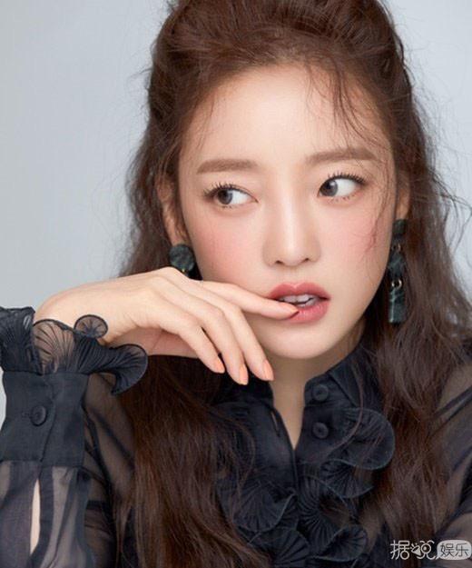 什么,韩国女团KARA前成员具荷拉自sha?