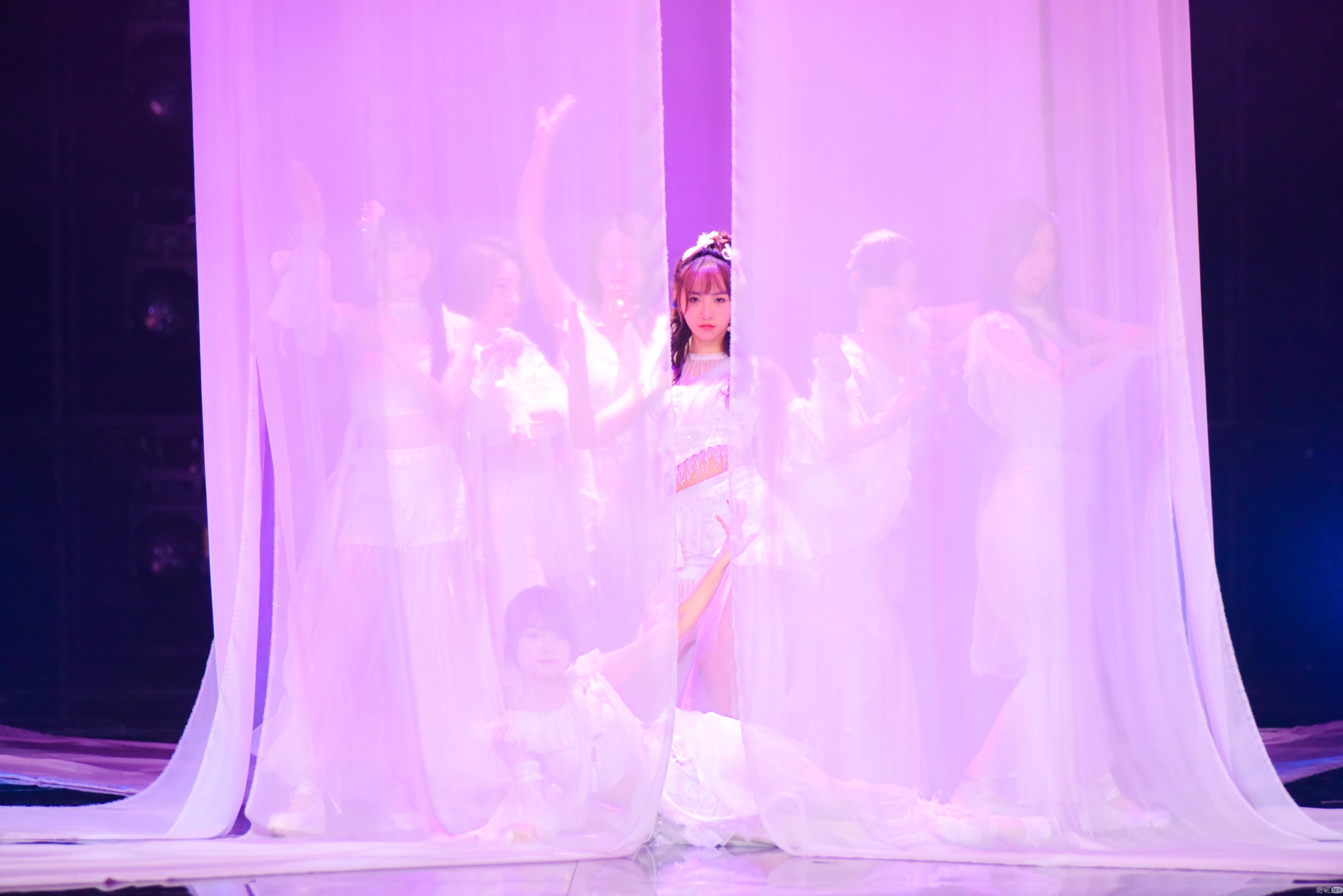 白衣飞天亮相《由你音乐榜》SING女团演绎丝路千年之约