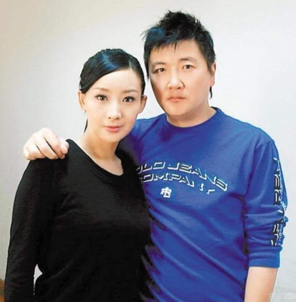 孙楠现任妻子让买红妹女儿上国学班 自己女儿却出国留学了