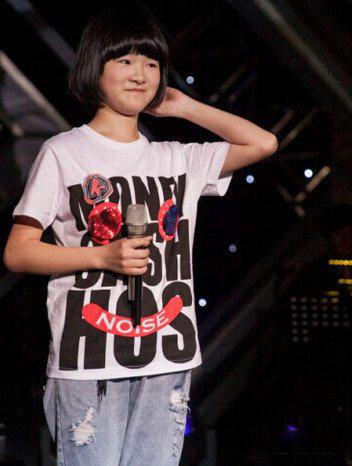 王睿卓的男朋友的照片 天赋异禀的小歌手图片